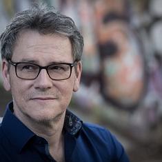 Lesung mit Oliver Bottini in der Literaturarena Riehen im Meienhof-Saal